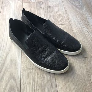EUC Vince Black shiny textured slip on shoes 10